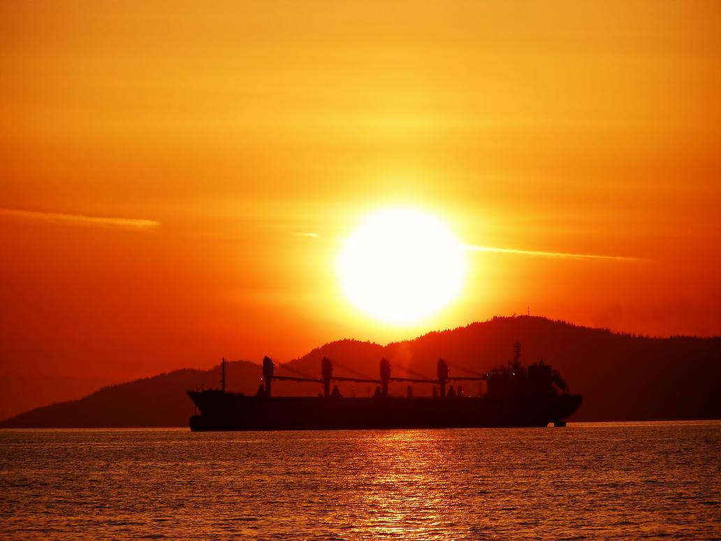 Sinking Sun by CoFFeeZomBee