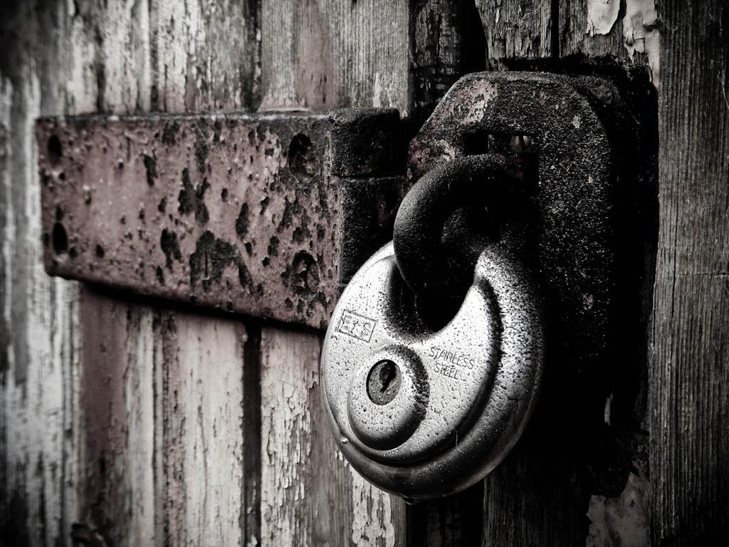 Door and padlock B+W as req'd