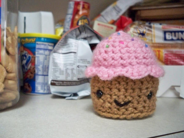 Amigurumi Cupcake by pixie--stick