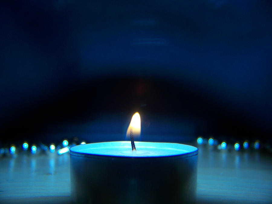 Plamen  svece - Page 4 Candle_Behind_Glass_by_DXCUCR