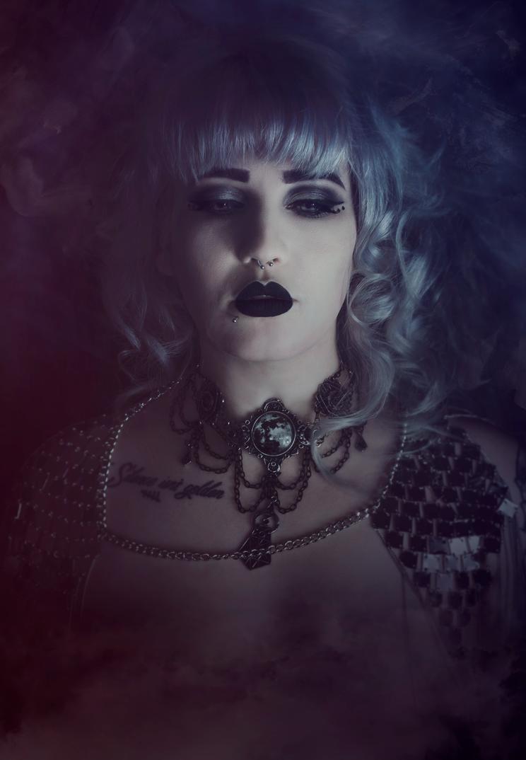 Gothic Queen by AshleeHawksworth