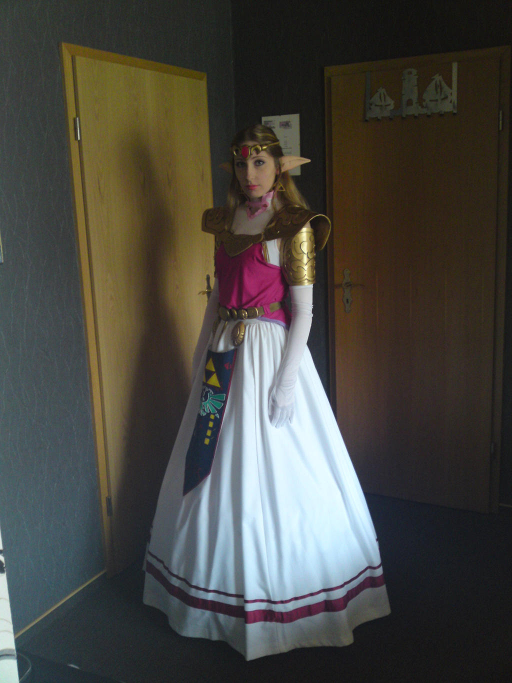 Princess Zelda Ocarina Of Time Cosplay By Celestialexploring
