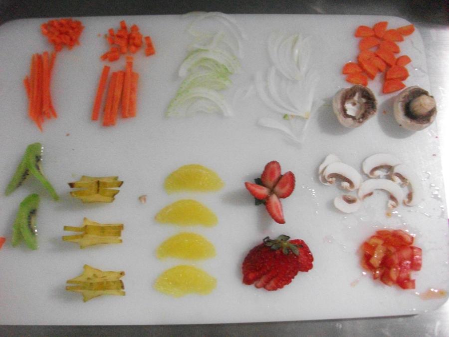 Cortes de frutas y verduras 2 by Neko-mirichan