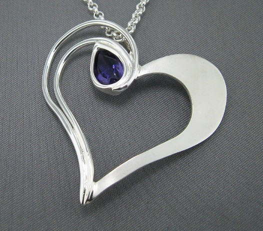Bouncing Heart by GipsonDiamondJeweler