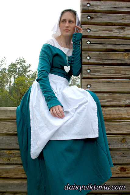 Medieval Maiden in Teal by DaisyViktoria
