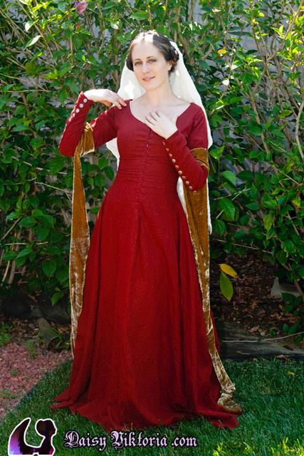Red Linen Kirtle by DaisyViktoria