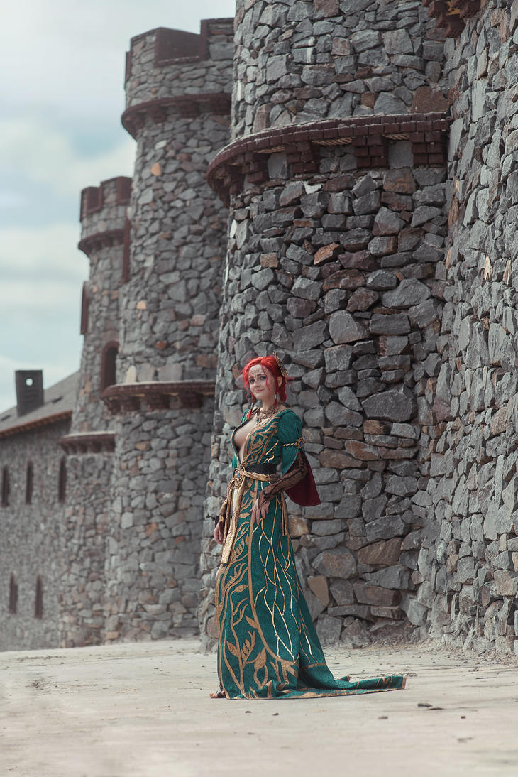Triss in Kaer Morchen by ErikaShion