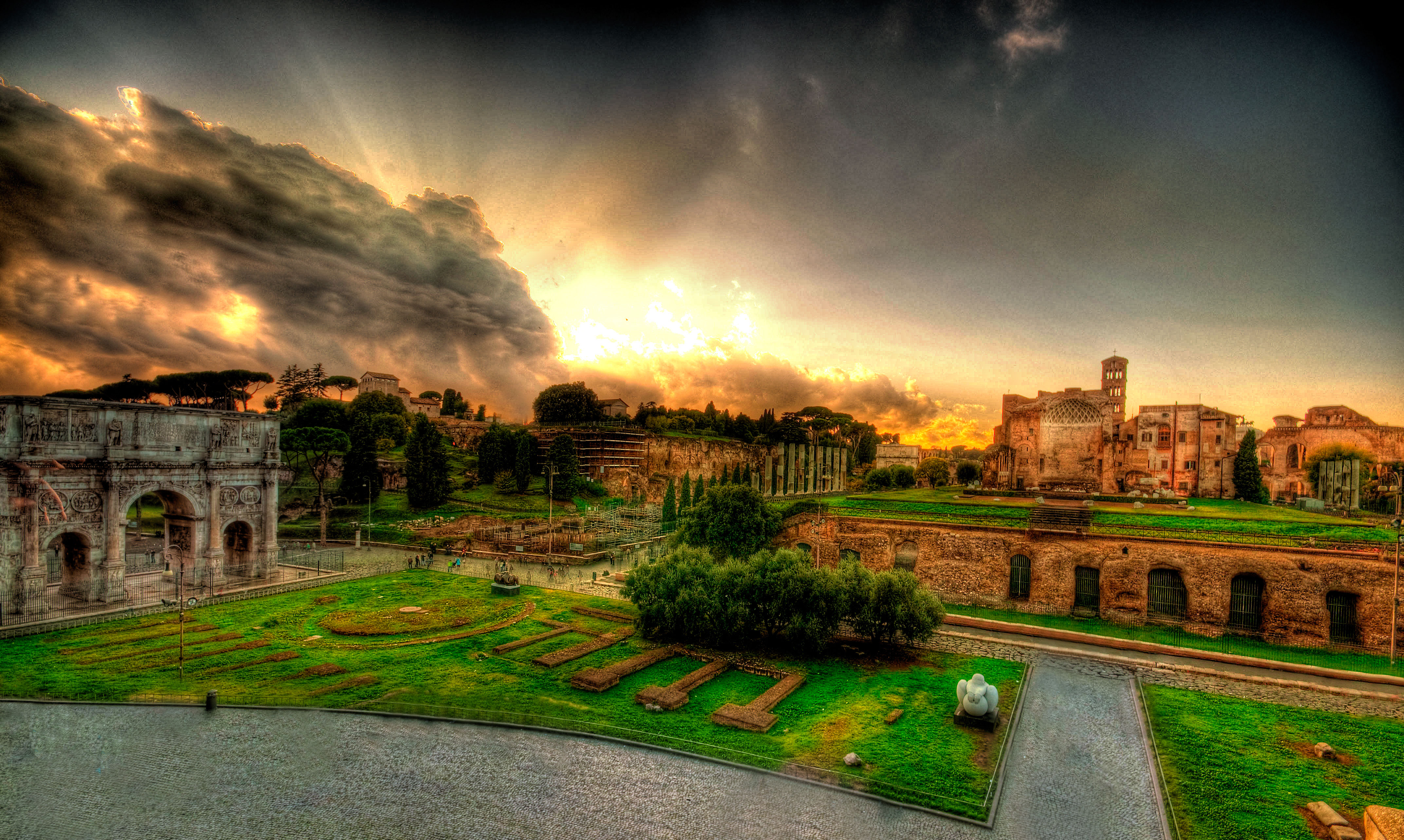 http://fc00.deviantart.net/fs50/f/2009/308/f/9/View_from_Colosseum_by_andsol1.jpg