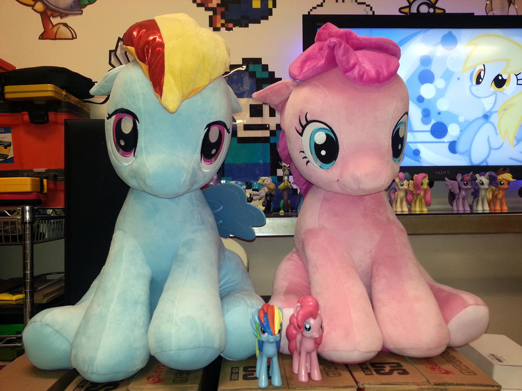 Rainbow Dash and Pinkie Pie - Aurora Plush 26in by Sapo100