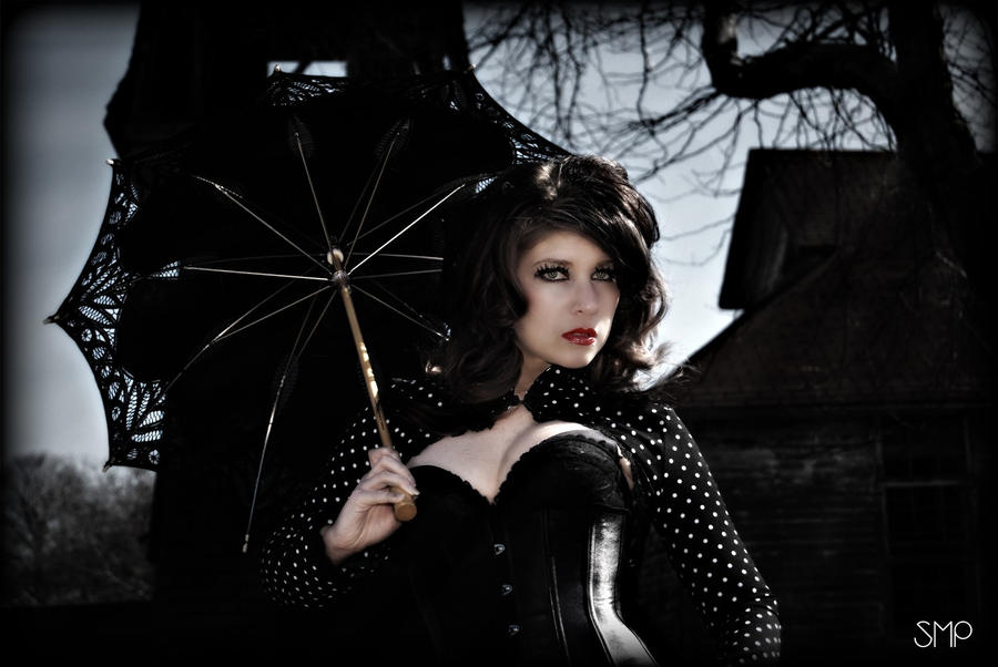 Gothic Beauty By Miss MischiefX