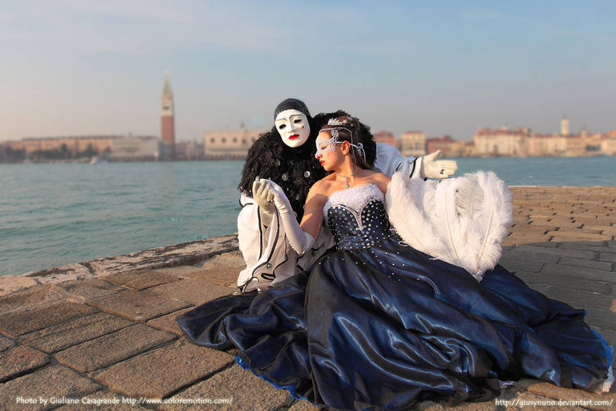 Sunset couple - Venice Carnival by giusynuno