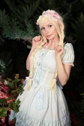 Sweet elegance by Marusera-Yumeart