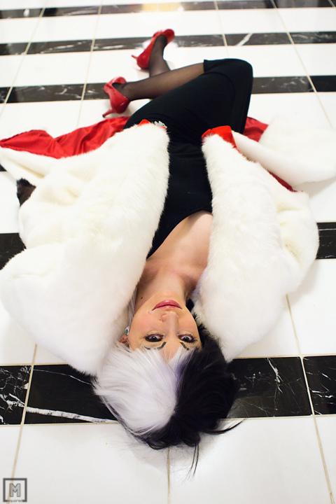Cruella - 101 Dalmatians by EveilleCosplay