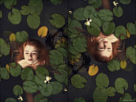 Just another Ophelia.. by Vanilladisaster