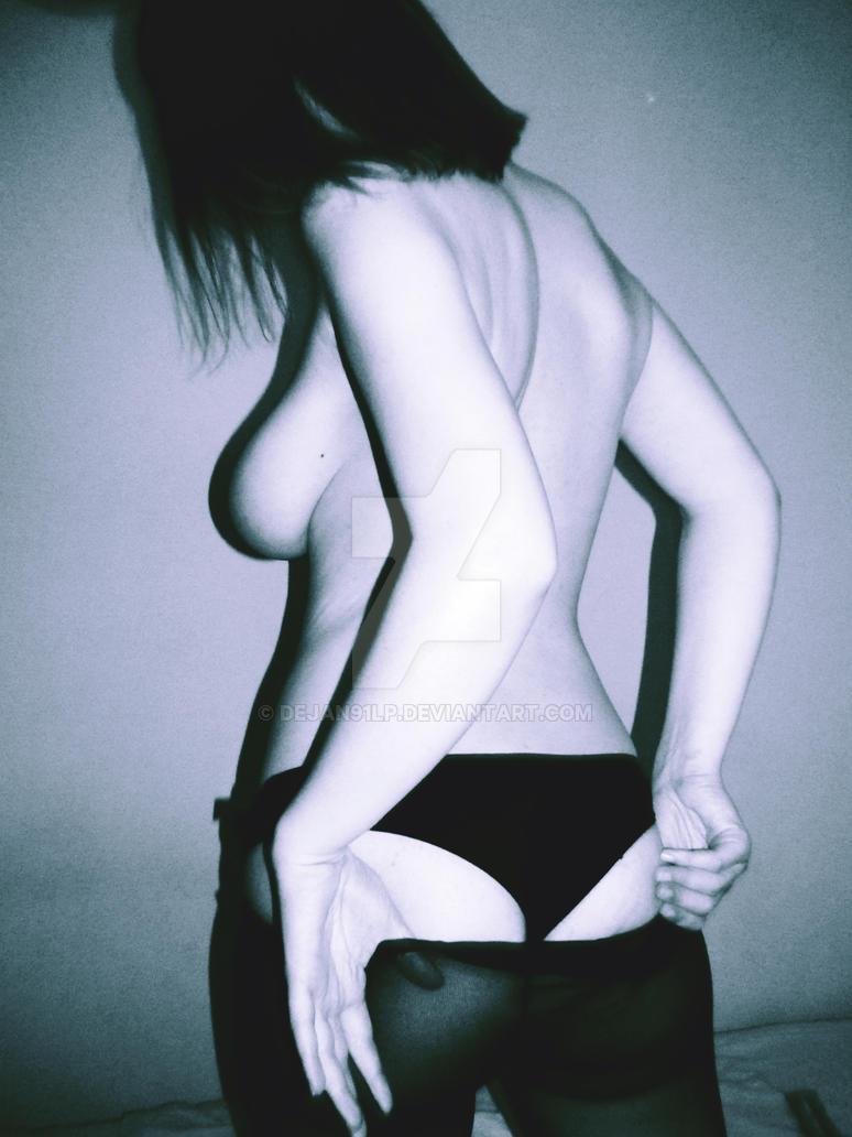 Pale Girl by dejan91lp