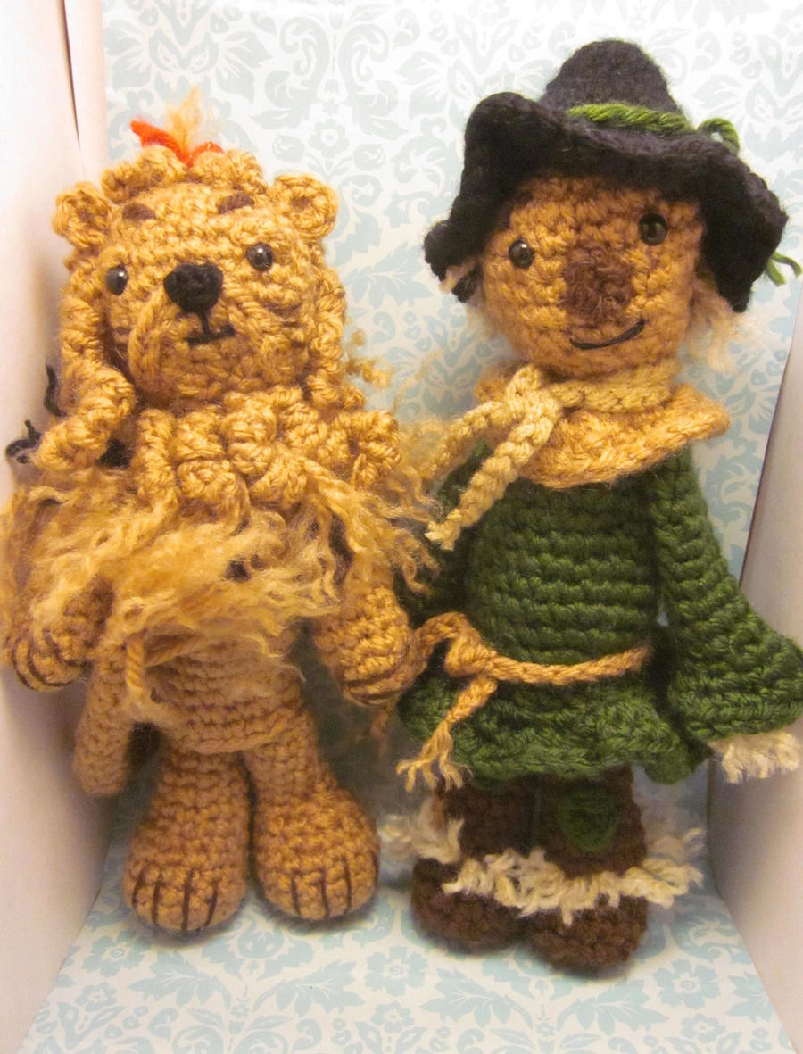 Scarecrow and Lion Wizard of Oz Amigurumi Crochet by Spudsstitches