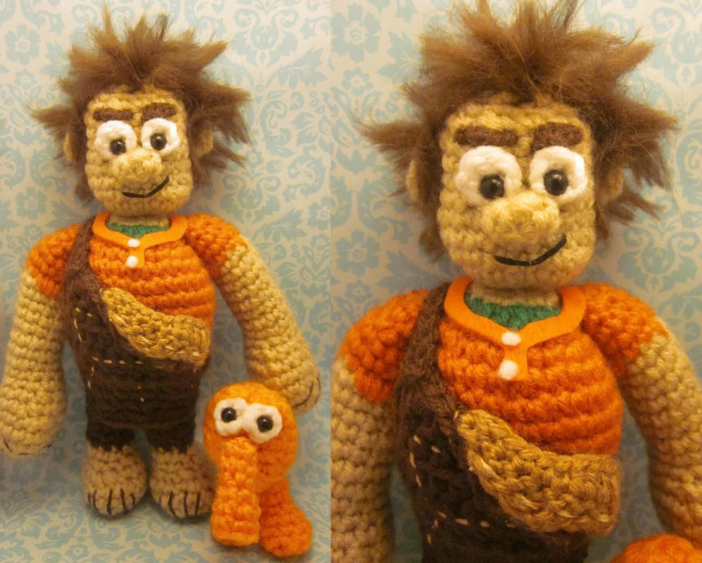 Wreck-It Ralph and Q*Bert Amigurumi Dolls #AZ by Spudsstitches