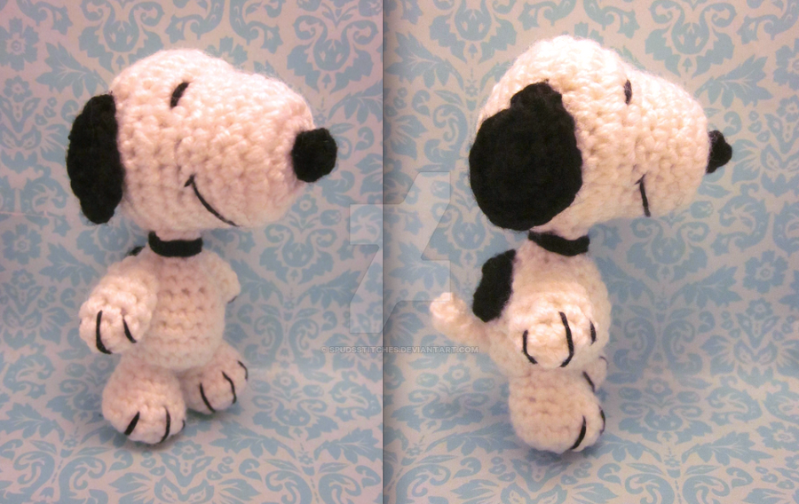 Amigurumi Patterns Snoopy : Wee lil snoopy amigurumi crochet doll by spudsstitches on deviantart