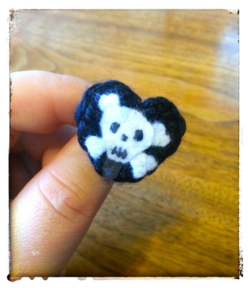 Wee Lil Black Crocheted Heart Skull pin by Spudsstitches ...