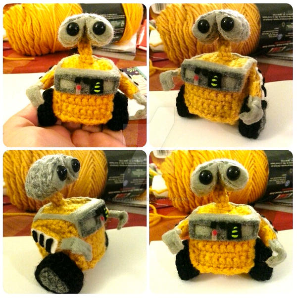 Pixar Disney Wall-e Amigurumi Crochet Doll Plush 2 by Spudsstitches ...