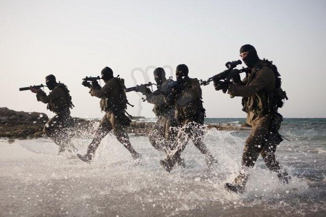 القـوات الخـاصــة حول العالم - حصري لصالح منتدى الجيش العربي Shayetet_13__israeli_navy_seals_by_dragon724-d4xl4v6