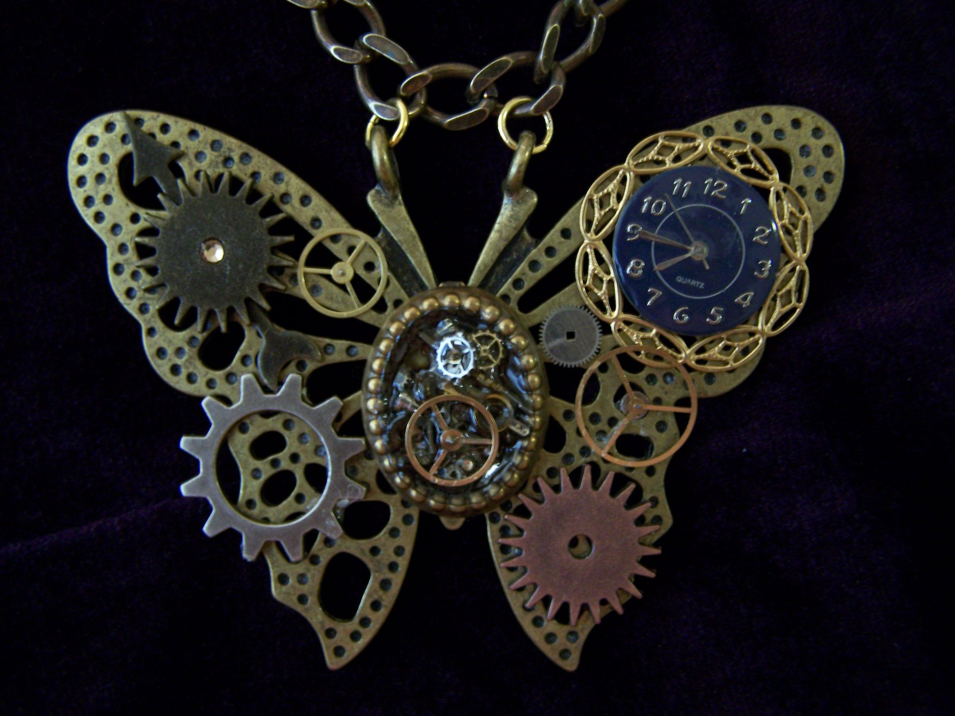 http://fc01.deviantart.net/fs46/f/2009/221/3/f/Steampunk_Industrial_Butterfly_by_SteamPunkJennie.jpg