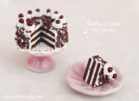 Black Forest Cake Frente Piece by Cutetreatsbyjany