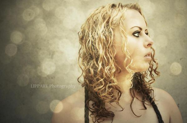 AliceAtNight's Profile Picture