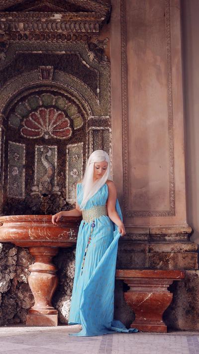 GoT: Daenerys Targaryen II by Aigue-Marine