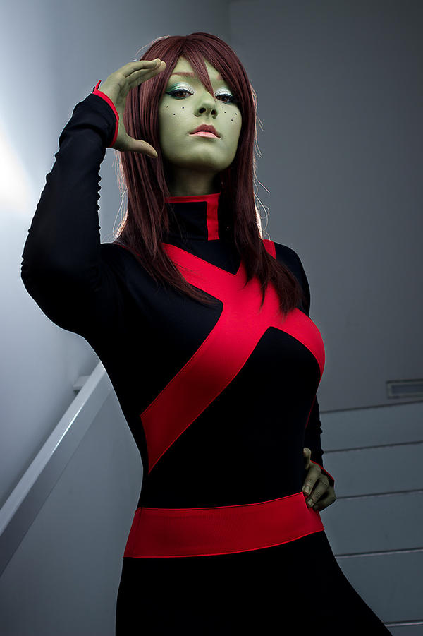 Young Justice: Miss Martian V by Aigue-Marine