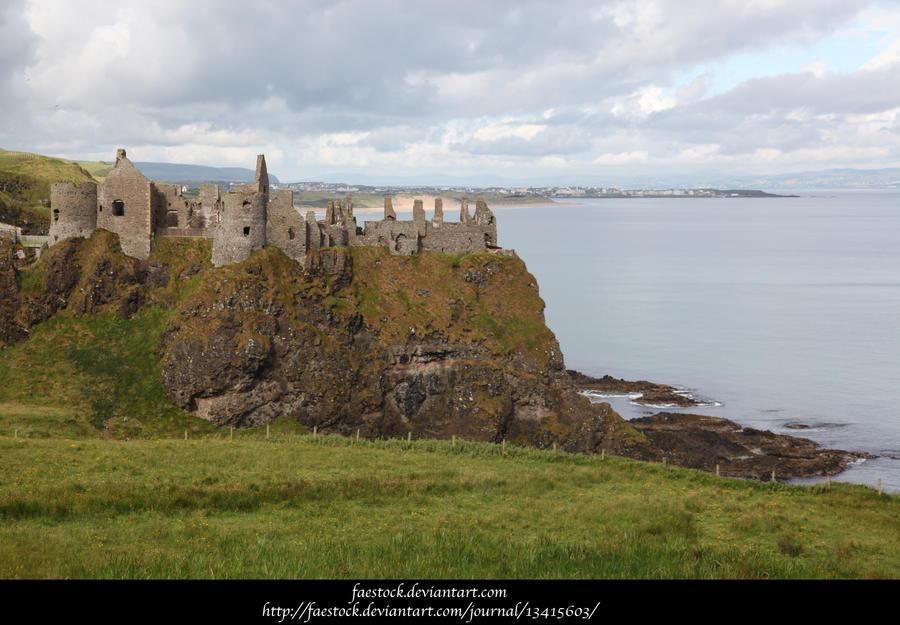 Castle by faestock