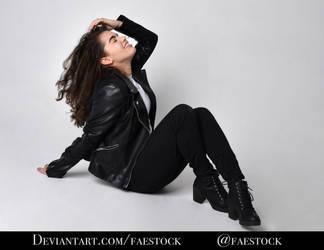 Shanae Modern - Full length pose reference photo 6