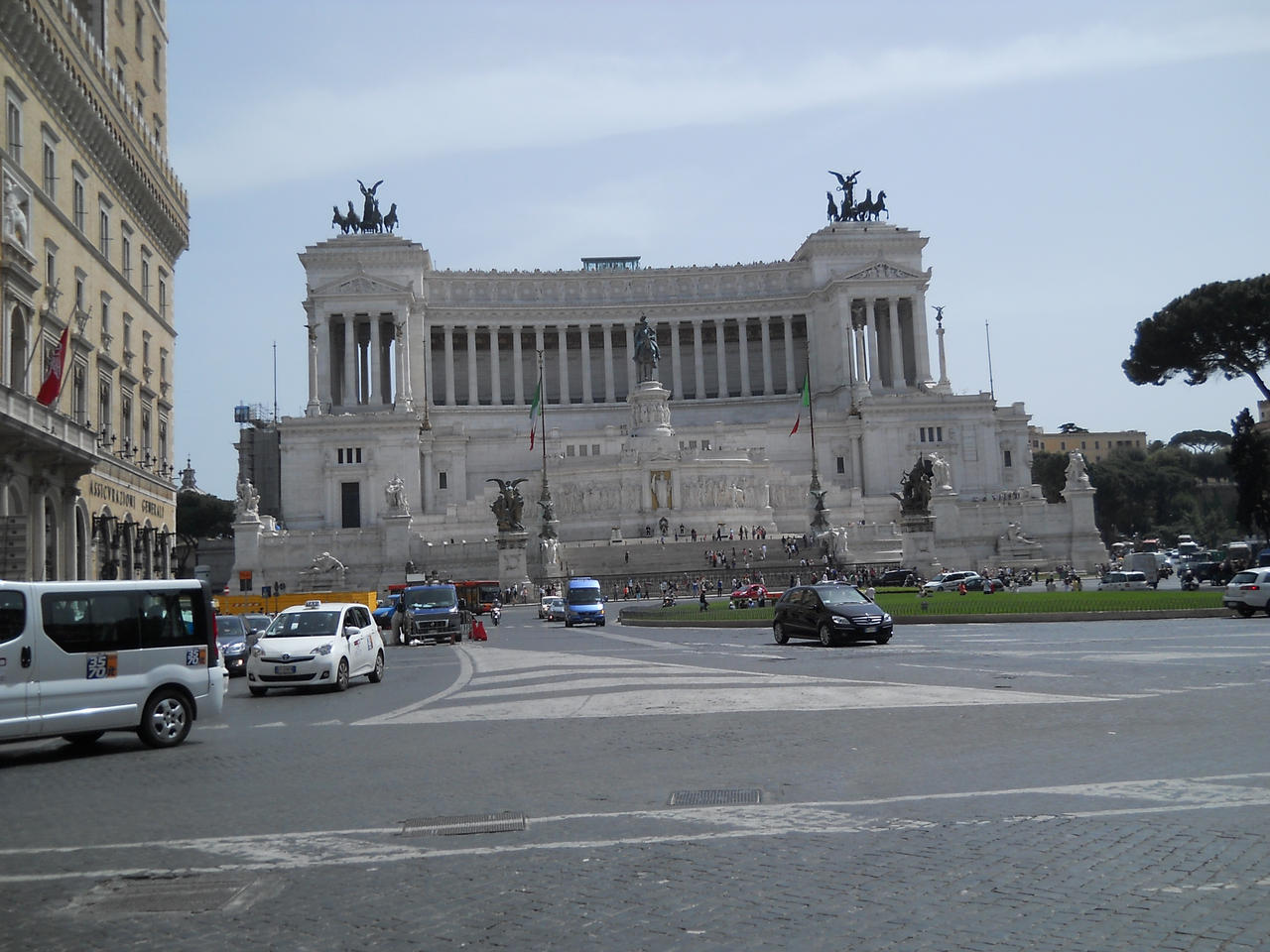 Piazza Venezia in Rome by gunseg on DeviantArt