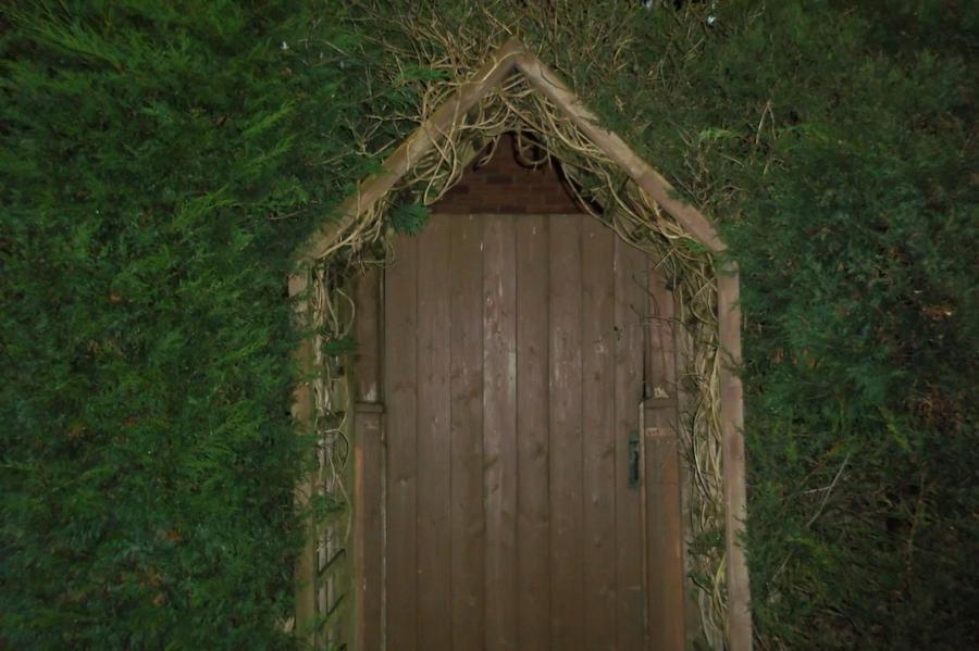 Secret Garden Door.... by ImAnInspiredFan on DeviantArt