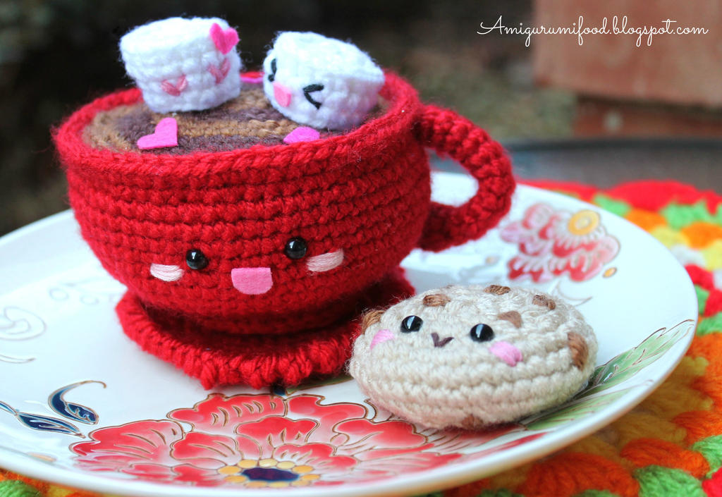 Hot Chocolate and cookie by Amigurumifood