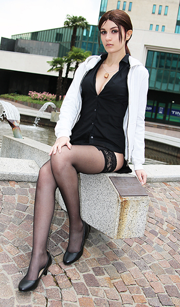 [Image: naomi_hunter_cosplay_by_meryl_sama-da6ks68.jpg]