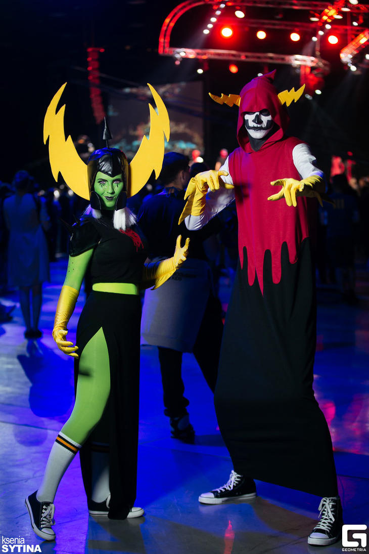 Dominator and Hater Cosplay by Sioxanne