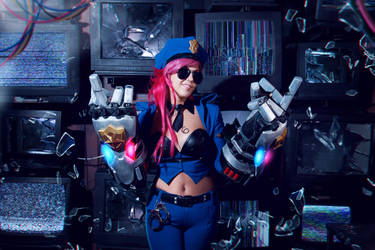 Officer Vi Cosplay LoL by Sioxanne
