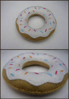 Donut pin-cushion by restlesswillow