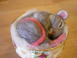 Needle felted mouse 2