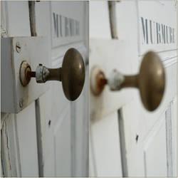 porte des murmures by horsdemavue
