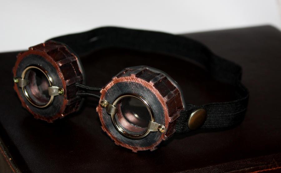 Traveller's goggles by RestlessLynx