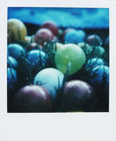 Pola - balls by mathildedn