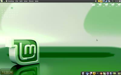 Linux Mint July 02 2010 by Le-Narcissique