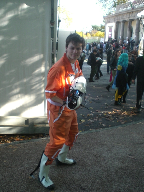 how to make a portal 2 chell costume