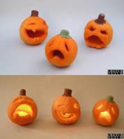 Needle felted Jack-o'-lanterns by creturfetur