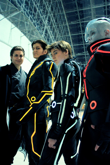 Tron: Legacy Cosplay by maochiato.deviantart.com