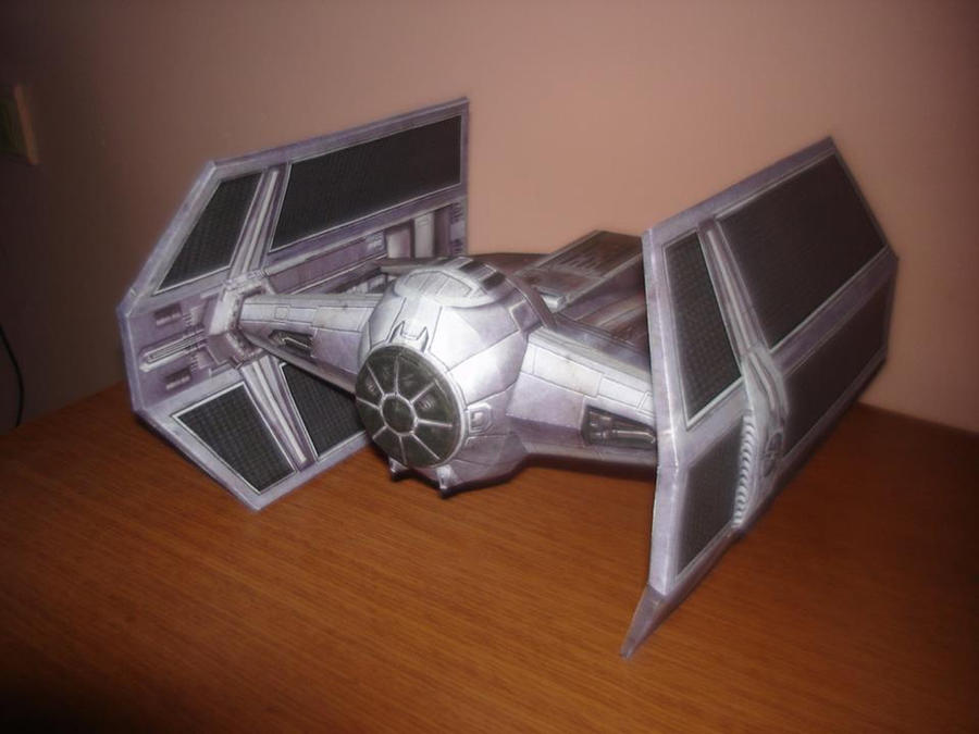 Darth Vader's Tie Fighter by locombia