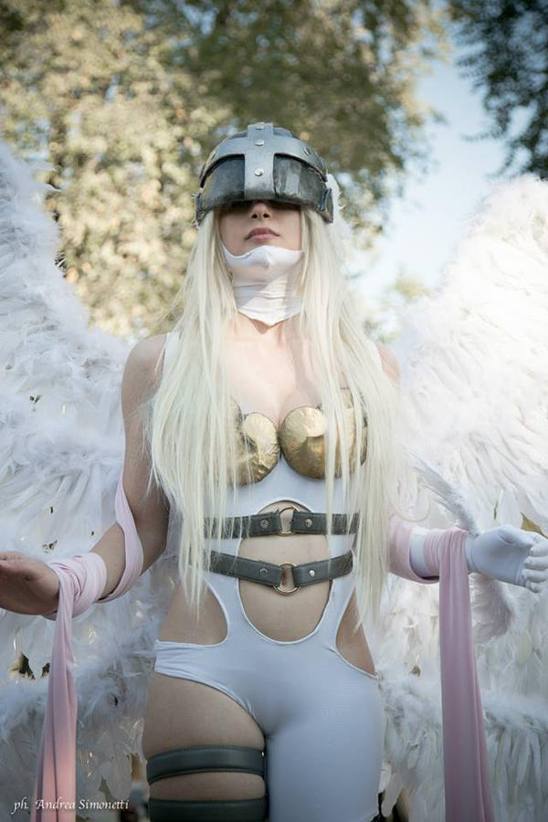 Angewomon - Cosplay by laurachanXD