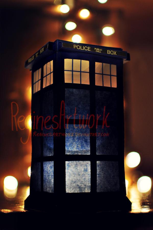 TARDIS Lantern by ReginesArtwork